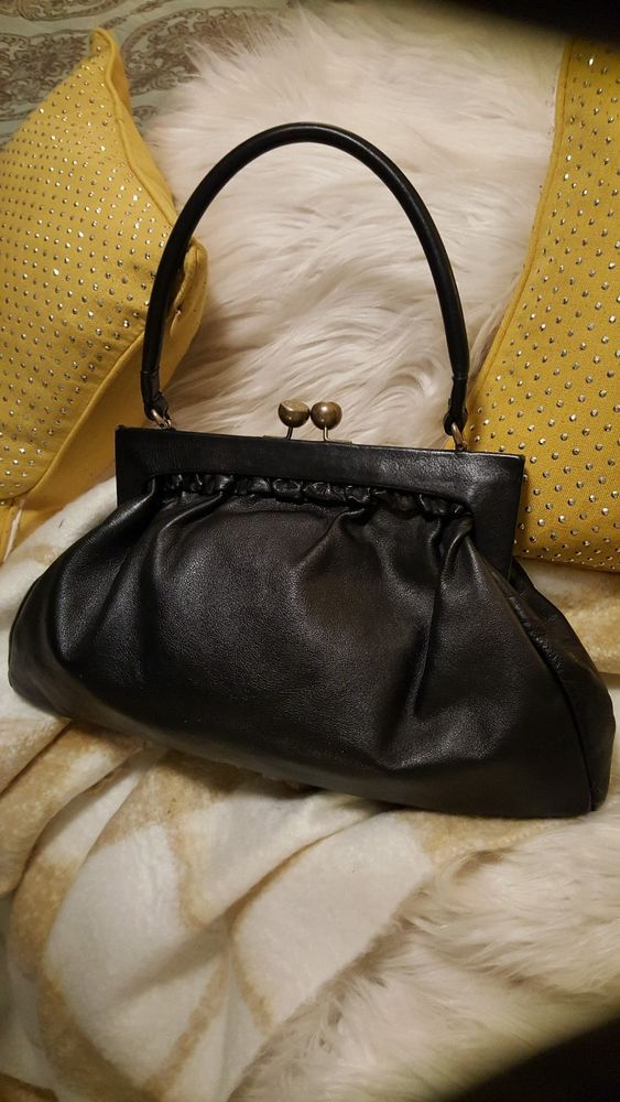 Kate Landry Cow Leather Kiss Lock Purse With Coin On A Chain Inside Katelandry Shoulderbag