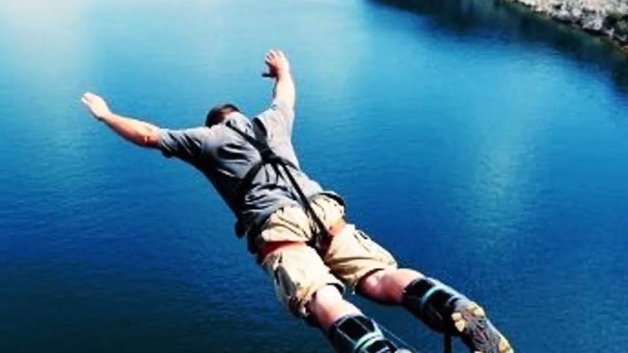 5 Ways To Broaden Your Horizons And Meet New People. #personaldevelopment #confidence #meetfriends #meetnewpeople #personalgrowth #selfhelp #howto