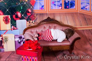 Pics by Crys : More Christmas in the studio ~ Enjoy  Sometimes you get the meaning of a portrait without the child looking at you :)