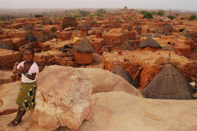 http://www.viacolvento.eu/images/phocagallery/itinerari-viaggio/indipendenti/africa-sahara-sahel/senegal-gambia-mali/thumbs/phoca_thumb_l_paesi-dogon.jpg
