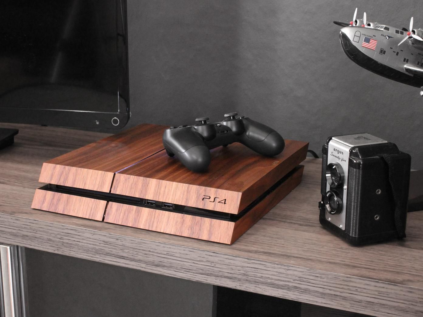 Toast Real Wood Playstation 4 Console Cover Real wood