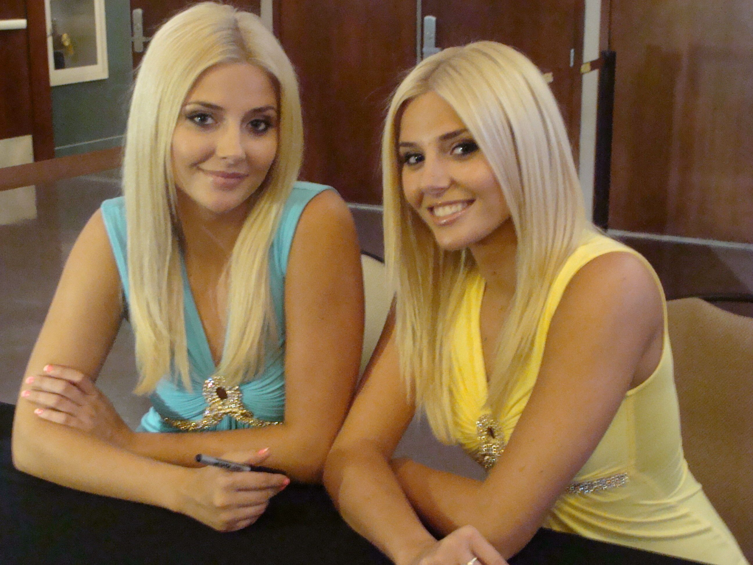 identical twin escorts