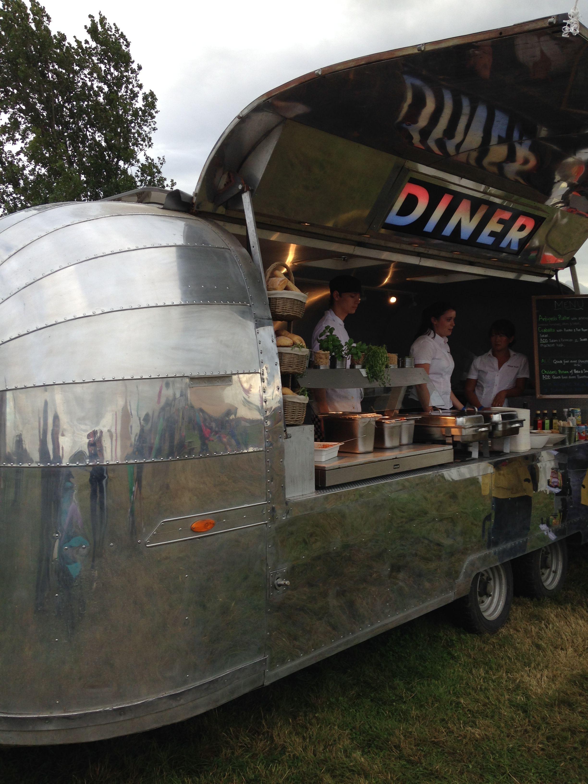 jamie oliver 39 s airstream food truck food trucks pinterest caravane bar et citation. Black Bedroom Furniture Sets. Home Design Ideas