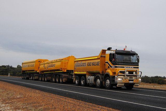 Catalano S Bulk Haulage Mack Quantum Road Train Train Truck Trucks