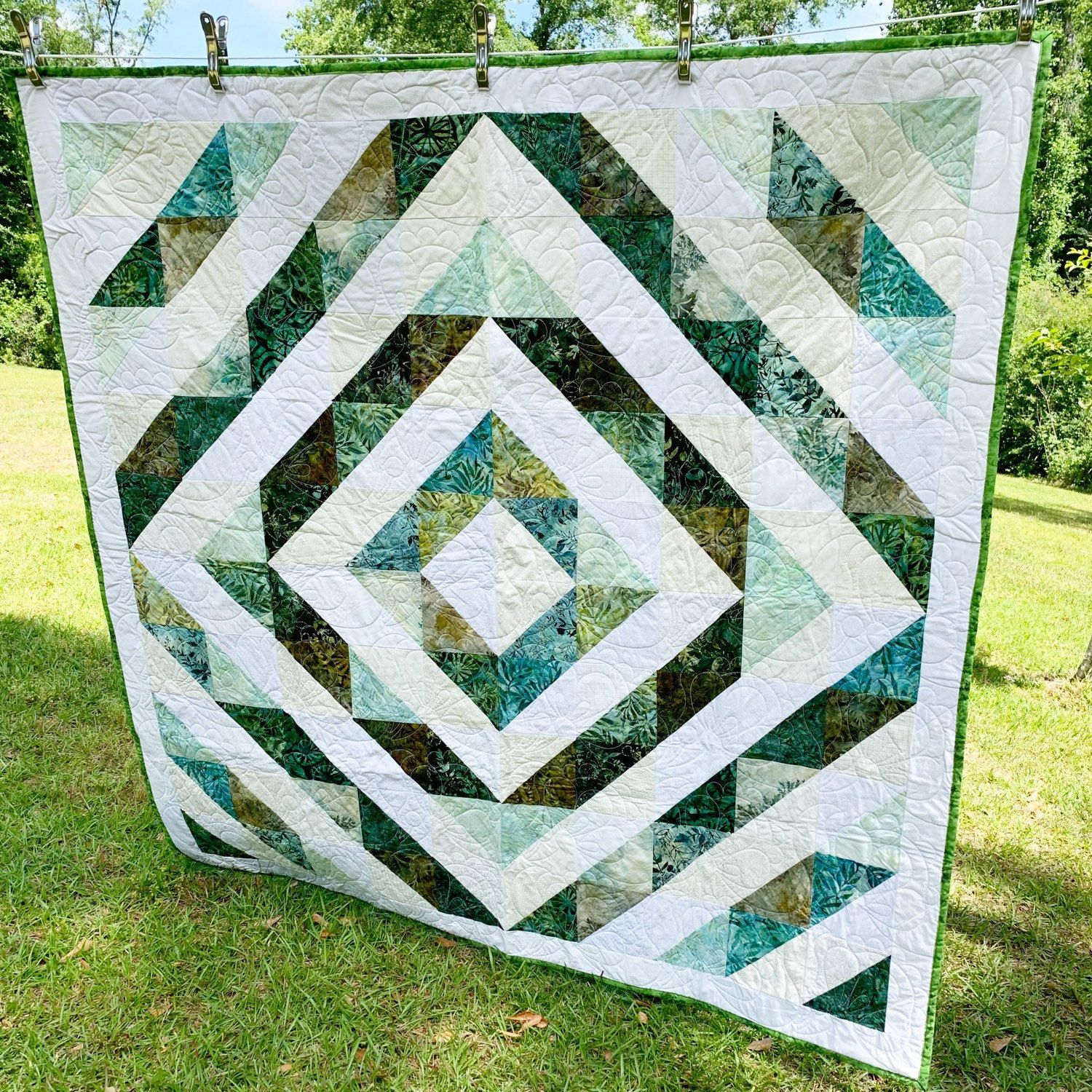 Sparethreadsquilting Shared A New Photo On Etsy In 2020 Quilts Lap Quilt Shades Of Green