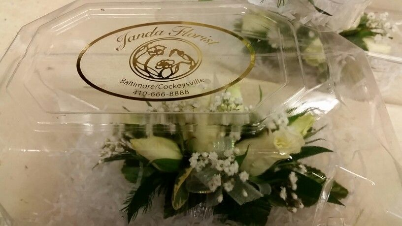 We Always Keep White Rose Corsages And Boutonnieres On Hand At Prom Time For Those Last Minute Needs Janda Florist Cockeysv Rose Corsage White Roses Florist