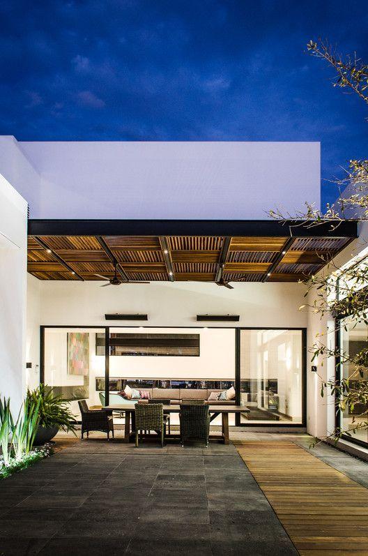 Galer a de casa agr adi arquitectura y dise o interior - Marquesinas para terrazas ...