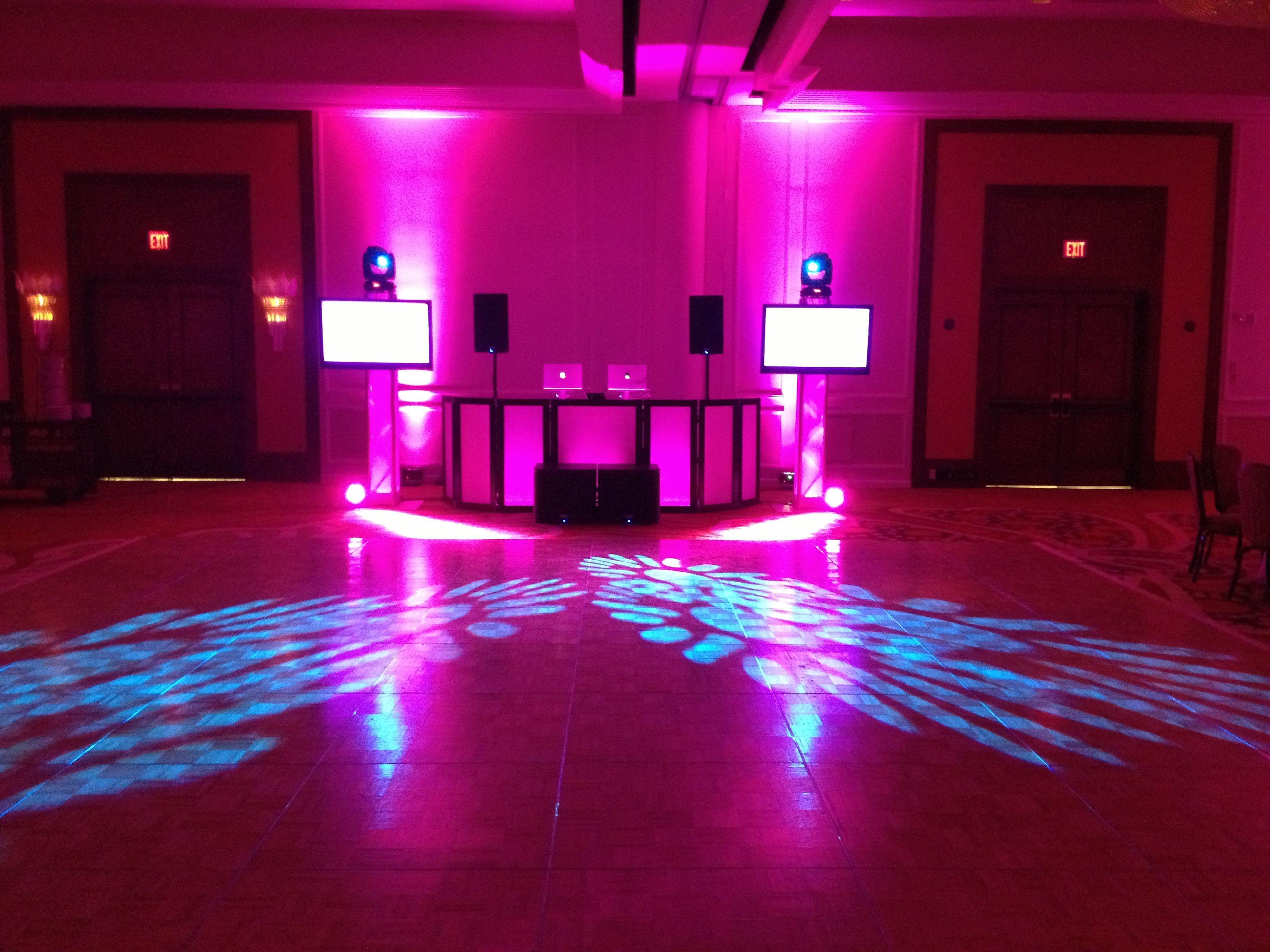 Dj Multimedia Setup With Computer Controlled Up Lighting Intelligent Lighting And Custom Dj Booth Marco Island Marriott Weddin Pista Led Dj Eventos Cabina Dj