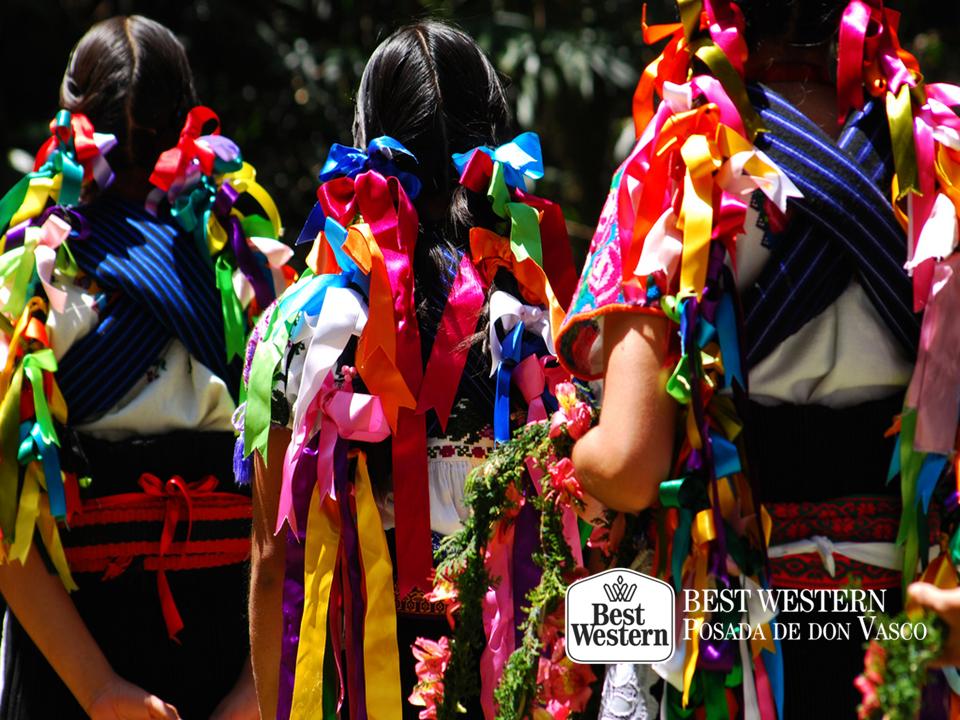 EL MEJOR HOTEL DE PÁTZCUARO. El purépecha, es una lengua indígena que aún se preserva en el estado de Michoacán y se divide en tres variantes dialectales: zona lacustre, central y serrana. En Best Western Posada de Don Vasco, le invitamos a conocer más sobre la cultura purépecha que habita en la región de Pátzcuaro. Ponemos a su disposición nuestras instalaciones, para que comience a disfrutar de las tradiciones de este pueblo mágico. #bestwesternposadadonvasco
