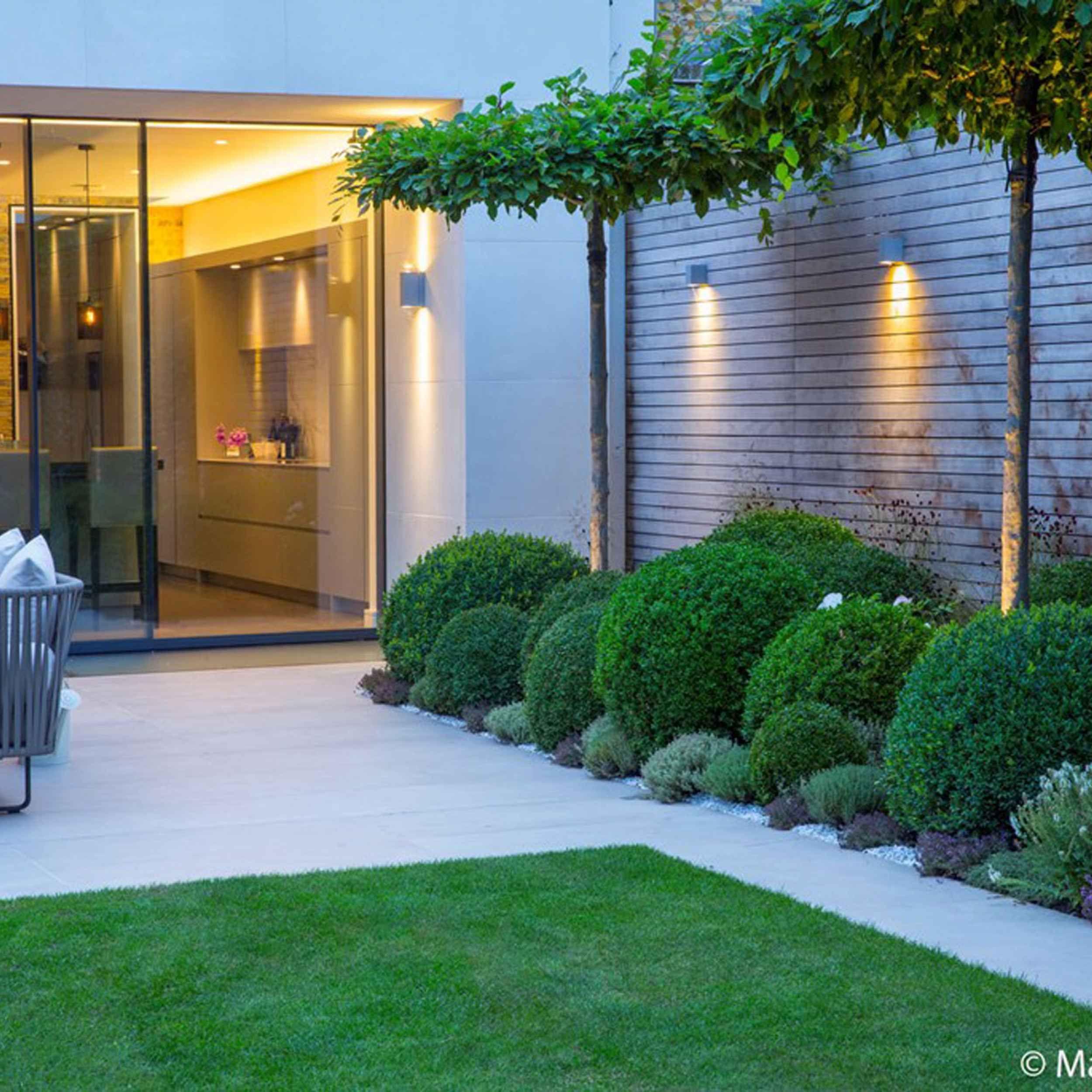 Wandsworth Garden By Matt Keightley And Rosebank Landscaping Photography By Marianne Majerus 11 Modern Planting Modern Garden Design Contemporary Garden Design