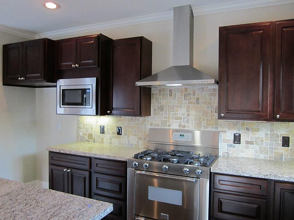 Statment Granite Behind Kitchen Chimney Hood Style Gas Range