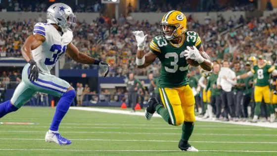 Aaron Jones Fined For Waving Goodbye During Touchdown Run Profootballtalk Waves Goodbye Waves Aaron