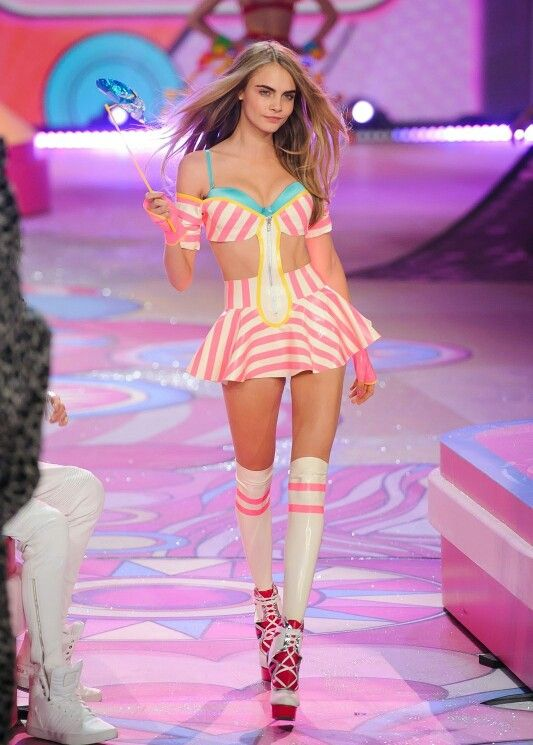 b1eeb6f0622 Shes my everything Cara Delevingne Style