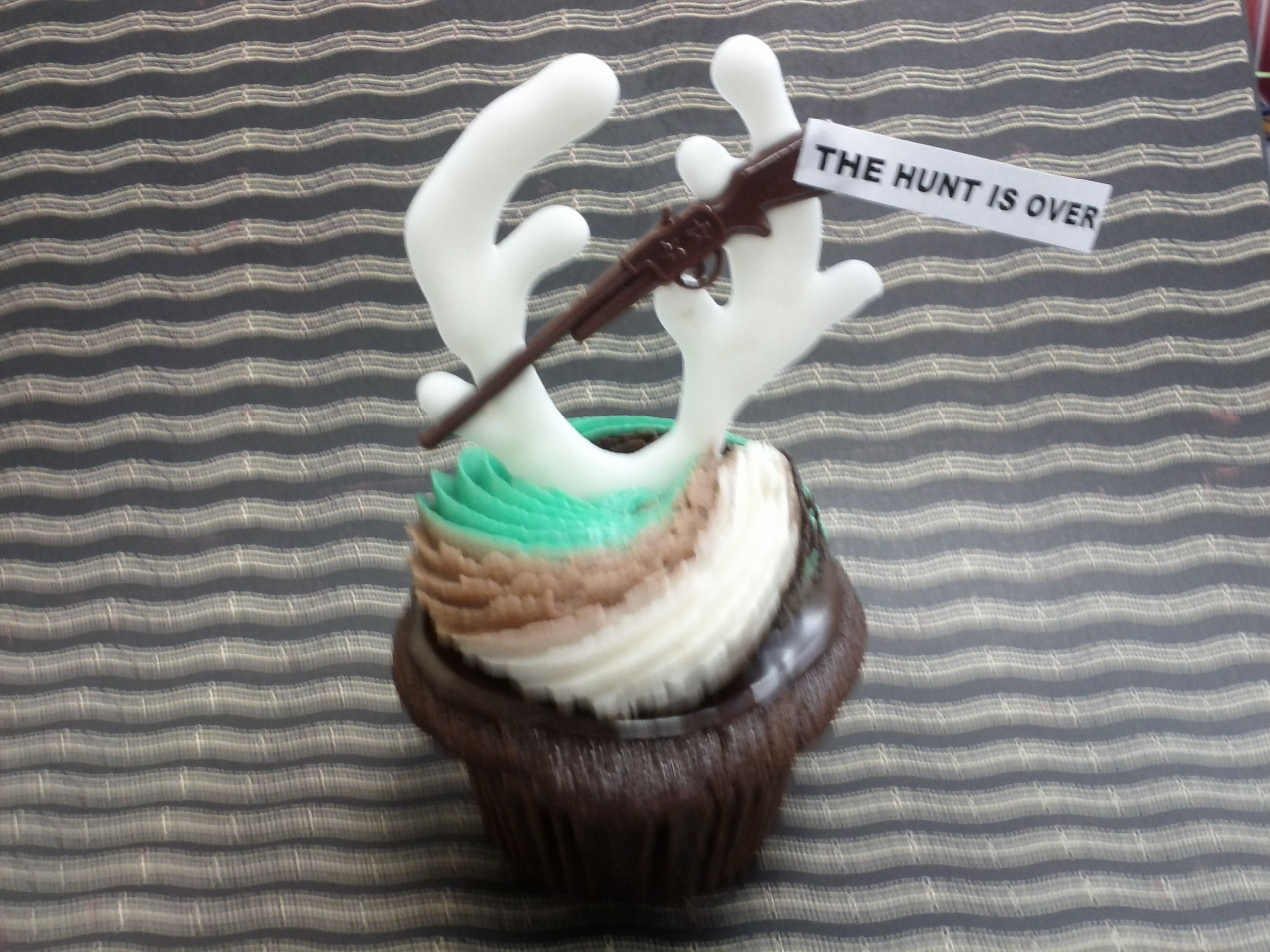 The Hunt Is Over Cupcakes From Serendipities Lincoln NE