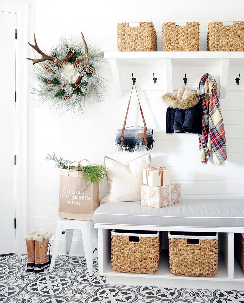 Style meets sentiment in this pretty holiday home | Mudroom, Laundry ...