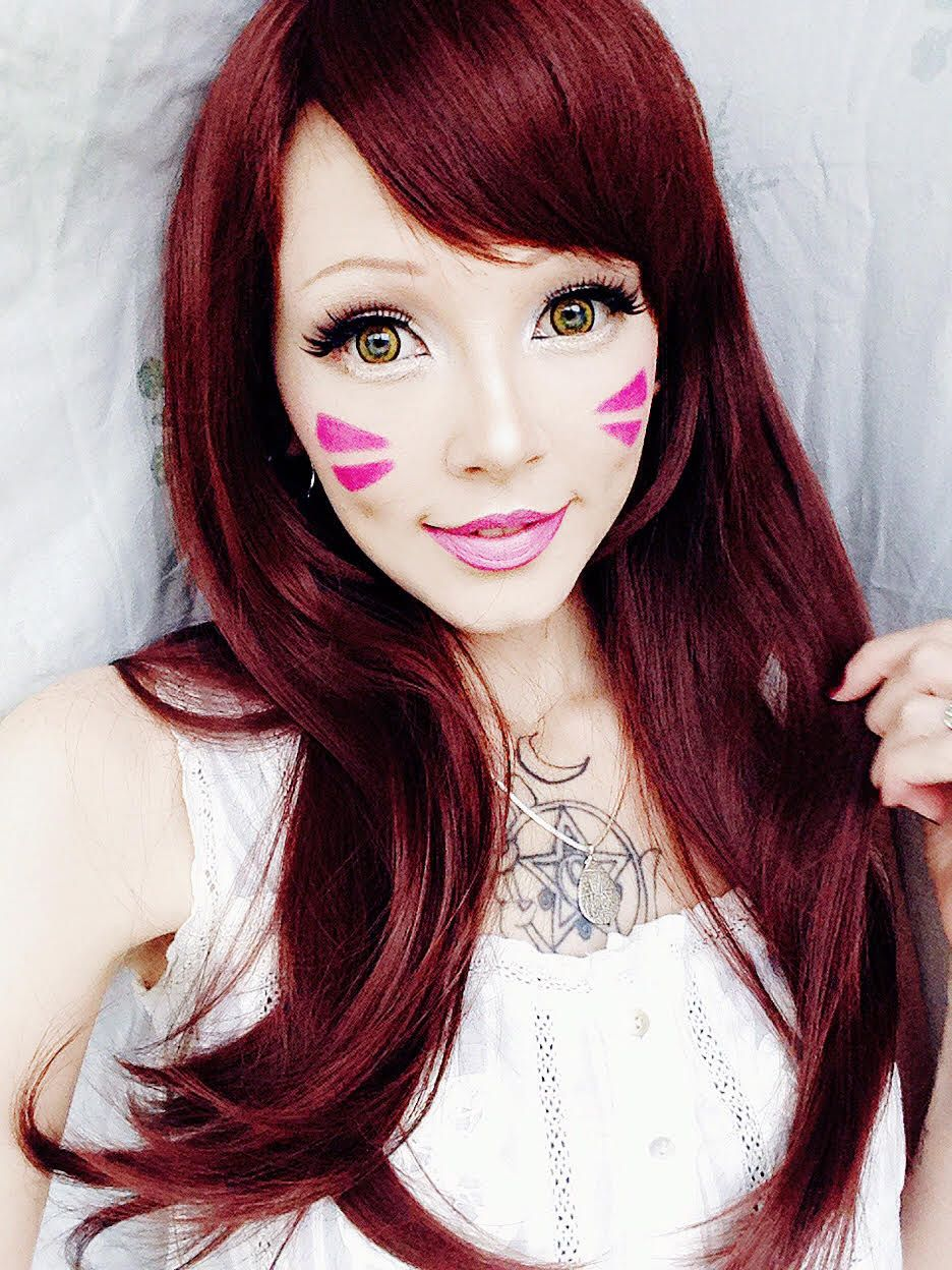 Create fantasy looks with dva cosplay wig brown lenses