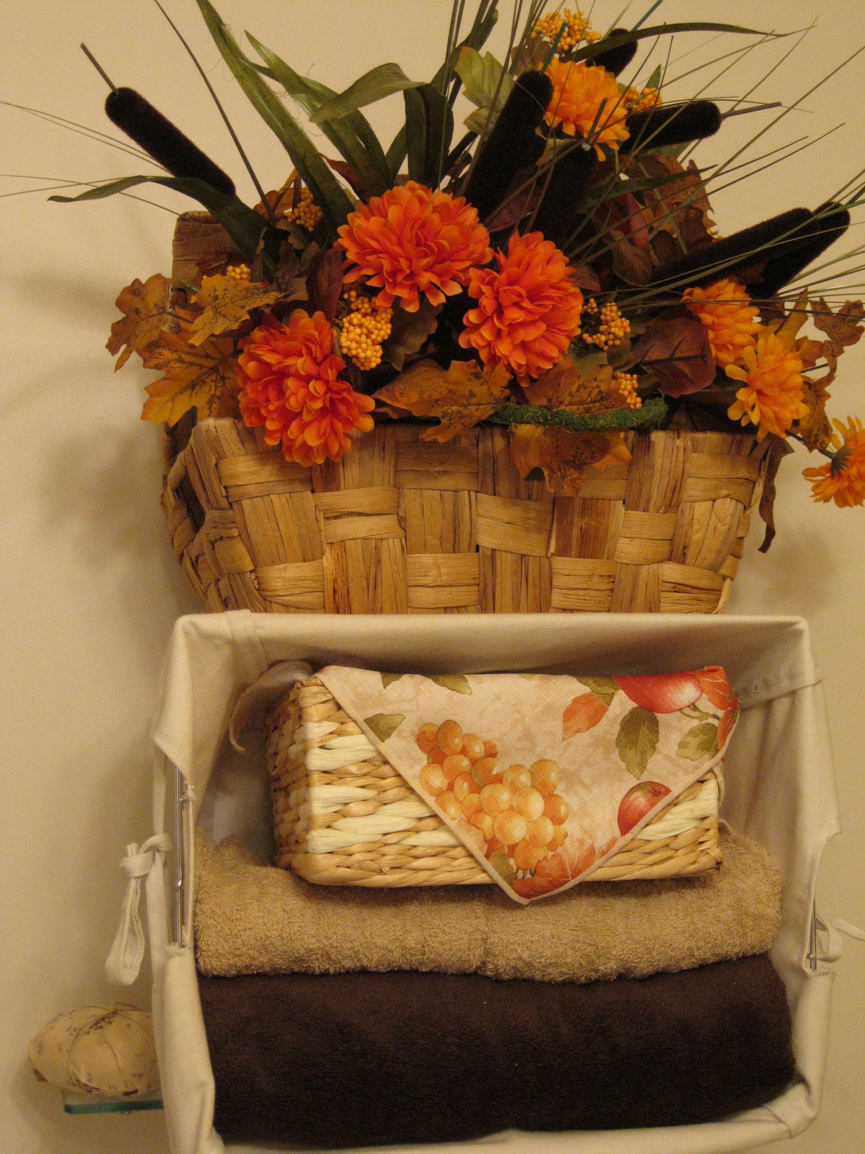 Fall bathroom decor fall decorations pinterest for Fall bathroom sets