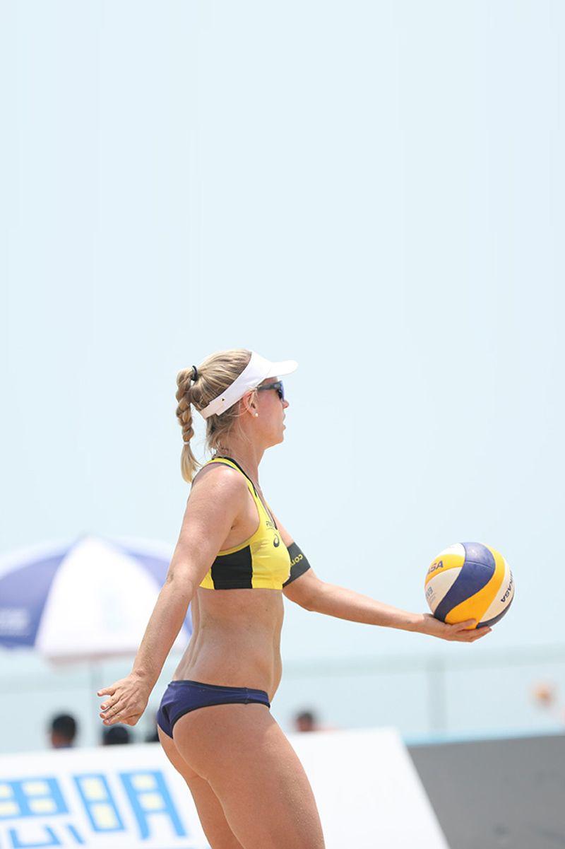 Auf Der Weltserie In Kuala Lumpur Sind Die Deutschen Athleten Um Borger Bieneck Und Ludwig Auf B Female Volleyball Players Beach Volleyball Volleyball Players