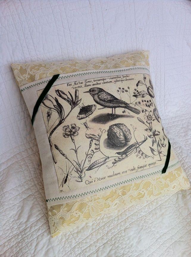 Botanical Living cushion