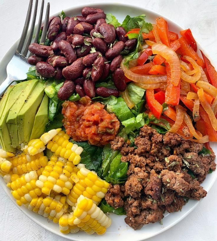 Easy Ground Beef Taco Salad — Sammi Brondo | NYC based Registered Dietitian Nu...  - Recipes {soups & salads} - #based #beef #Brondo #Dietitian #Easy #ground #NYC #Recipes #Registered #Salad #salads #Sammi #Soups #Taco #groundbeeftacos