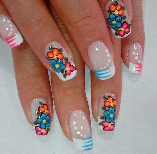 Uñas Nails flores francés   Manicura de uñas, Uñas con ...