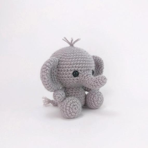 PATTERN: Ellis the Elephant - crochet elephant - amigurumi elephant pattern - English, German, Portuguese - PDF crochet pattern