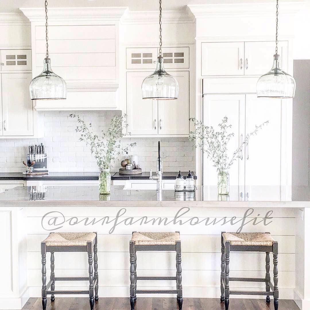 What a lovely white #kitchen Tyler. Simply gorgeous! Thanks for ...