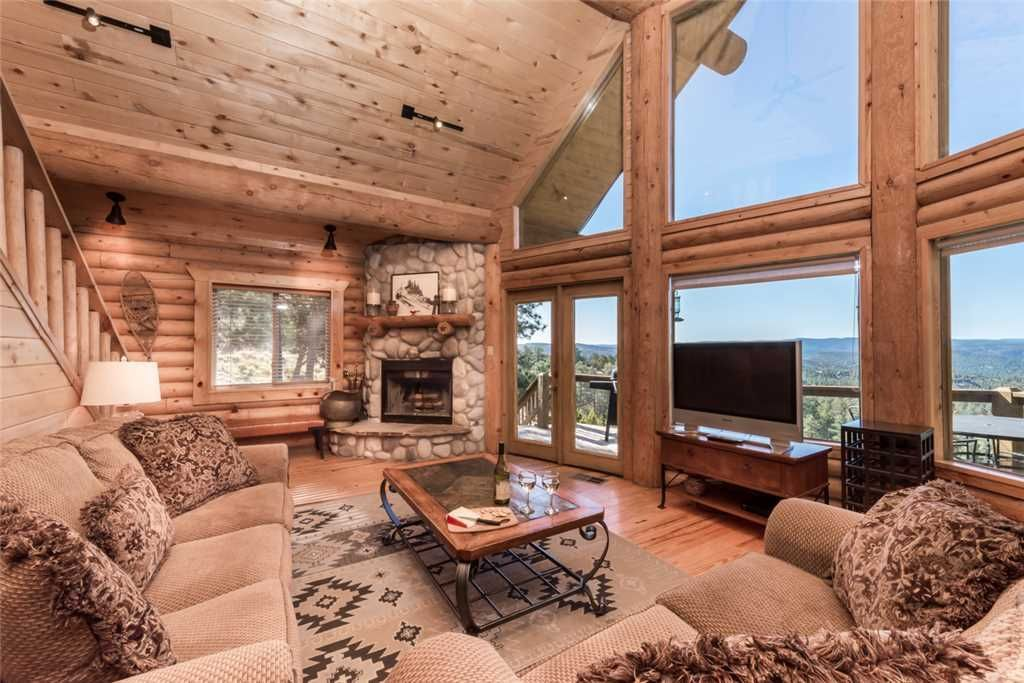 Mountain Valley View, 3 Bedrooms, Sleeps 6, Fireplace, Hot