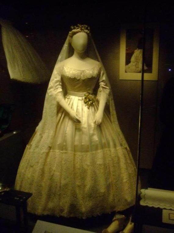 queen wedding dresses victorias wedding dress 1840 the beautiful gown 6933