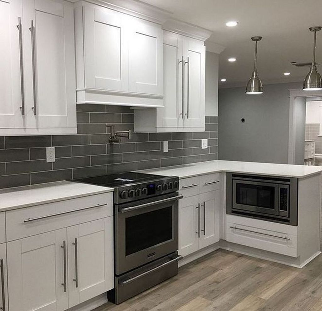 38 Beautiful Grey And White Kitchen Style Ideas In 2020 With Images Gray And White Kitchen Gray Kitchen Backsplash Grey Kitchen Walls