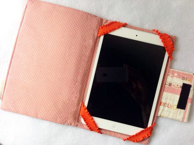 iPad Case - 6 Must Sew Things for 21st Century Girl (Free Sewing ... : quilted ipad case - Adamdwight.com