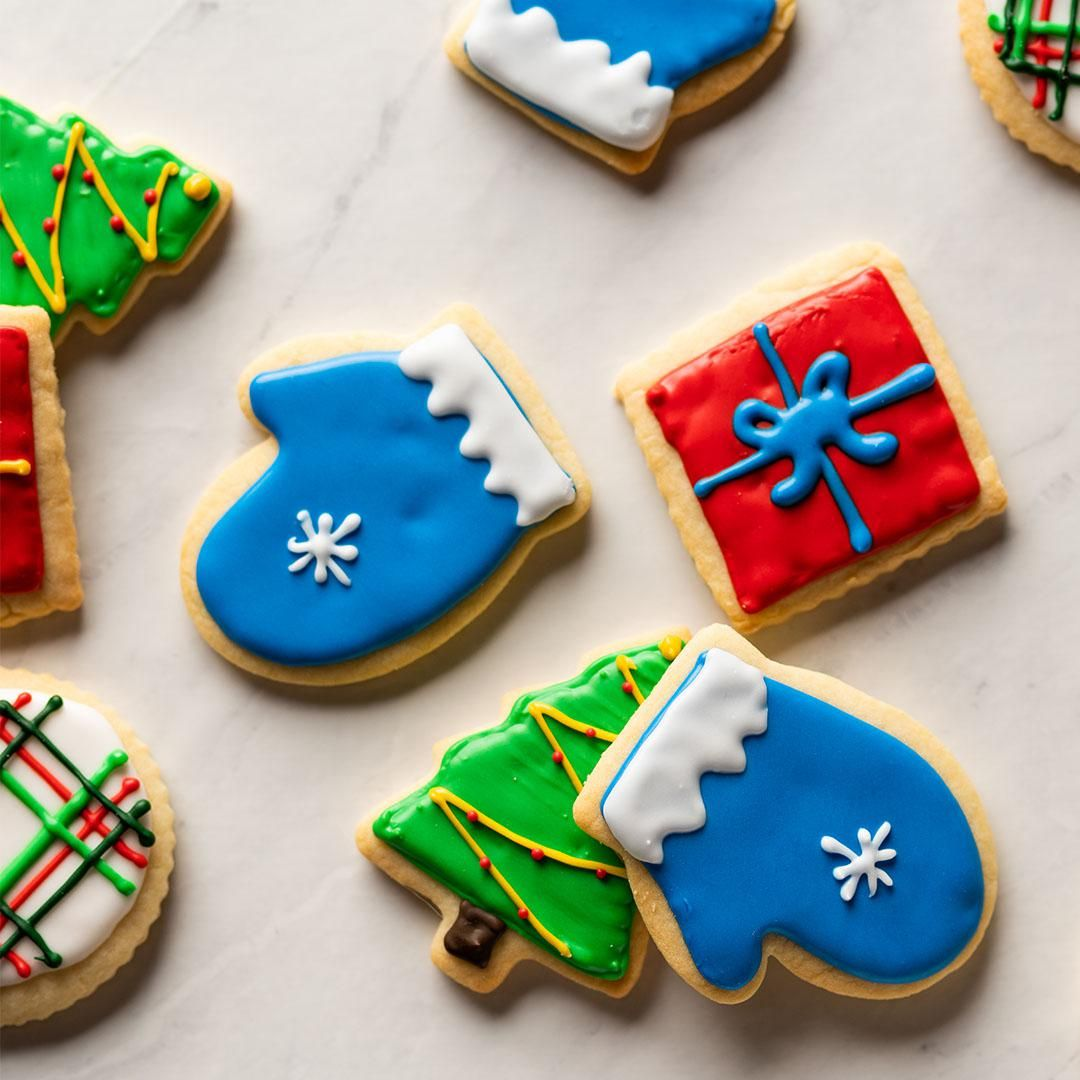 How To Decorate Shortbread Holiday Cut Out Cookies With Royal Icing