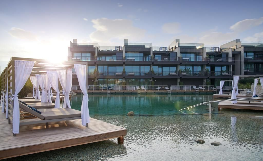 Quellenhof Luxury Resort Lazise Garda Lake Veneto Italy Bedroom Boutique Design Fine Garda Gardasee Hotel Hotels Luxury Resort Resort Lake Garda