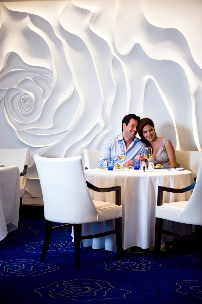3D Floral wall at Blu Restaurant, Celebrity Reflection Cruise ~