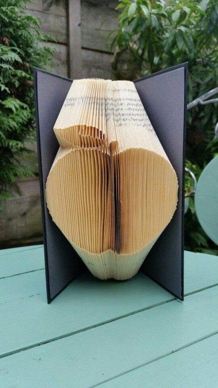 Entdecken Sie die Kunst zum Bücher falten in unseren 85 Bildern und Videoanleitungen #artdupliagedelivres