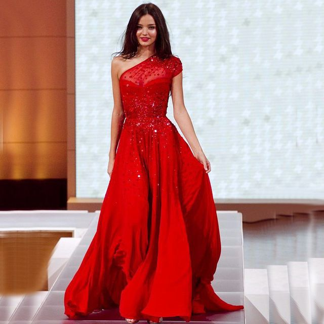 Pin by Pia Miesel on Traumkleider | Pinterest | Red chiffon, Evening ...