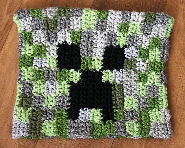 Minecraft Creeper Hat - My boys would love this!! | crochet ideas ...