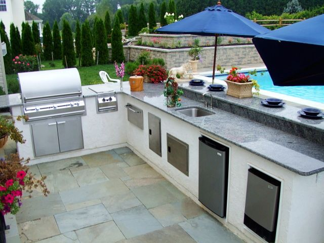 Exceptionnel Outdoor Kitchen Design Ideas ~ Cook Outdoors In Style By Changing Your  Backyard Or Outdoor Patio Into A Special Outdoor Kitchen Area For  Entertaining Family ...