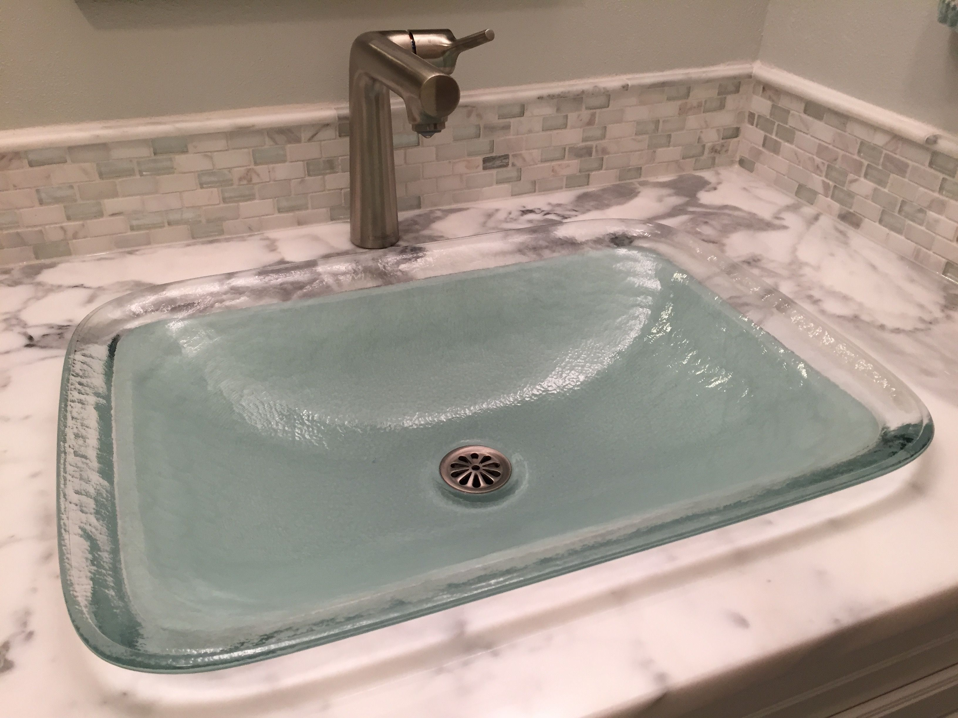 Koehler sink and drain Hans Grohe faucet Statuary Marble vanity