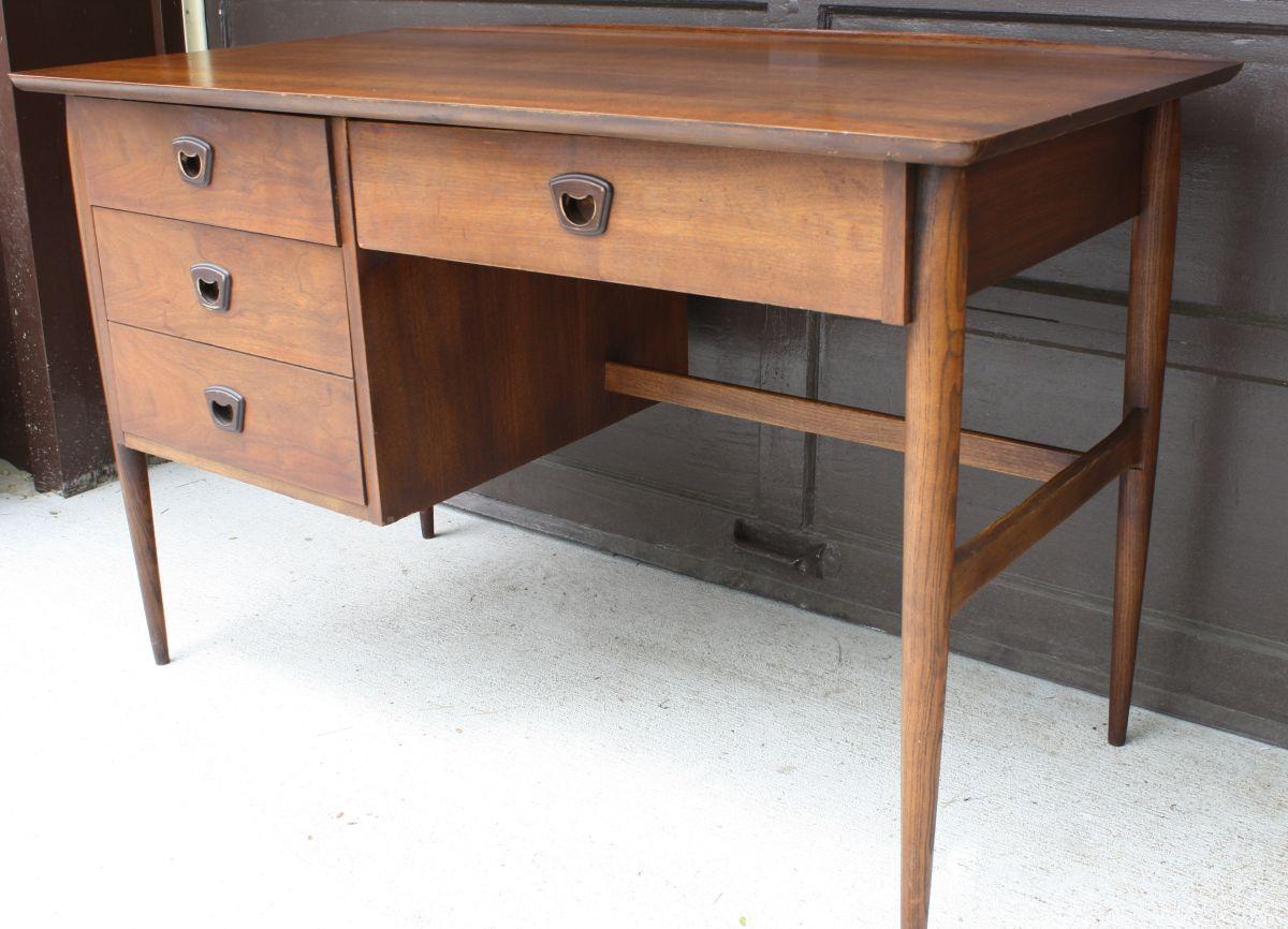 Mid Century Modern Surfboard Desk By Bassett Picked Vintage Mid Century Modern Desk Desk Mid Century Modern
