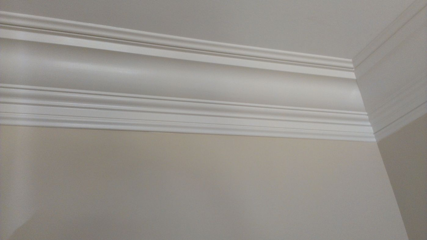 crown molding | Crown molding on concrete ceiling-plaster-crown ...