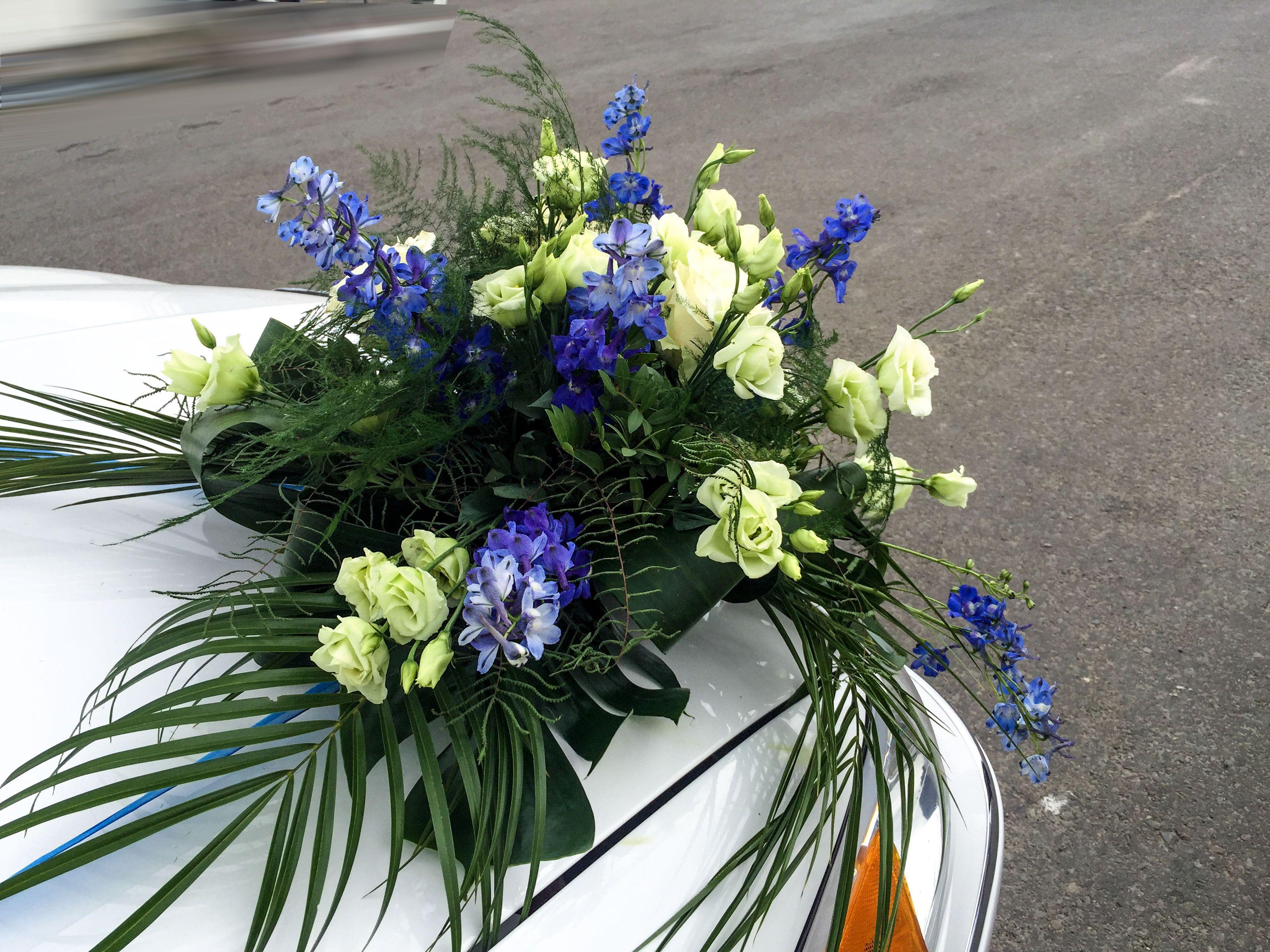 Blumen Zur Hochzeit Blumen Motorhaube Hochzeit Maritim In Blau