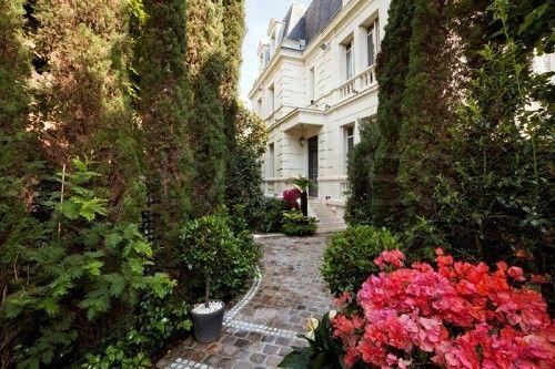 Hôtel particulier de prestige -PARIS 16 - Barnes http://www.barnes ...