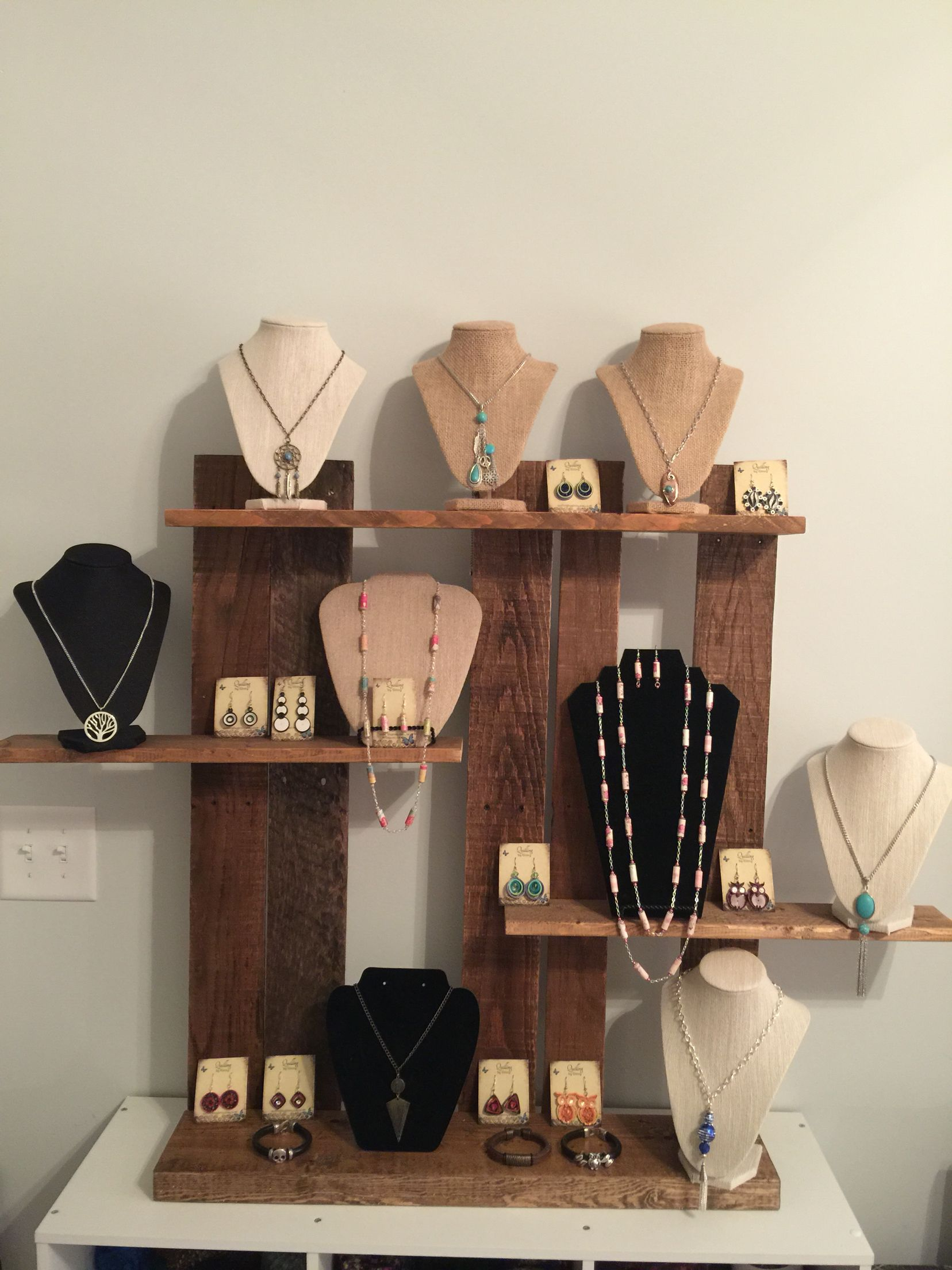Utterly Attractive And Innovative Jewelry Display Made Out Of Wood Pallets