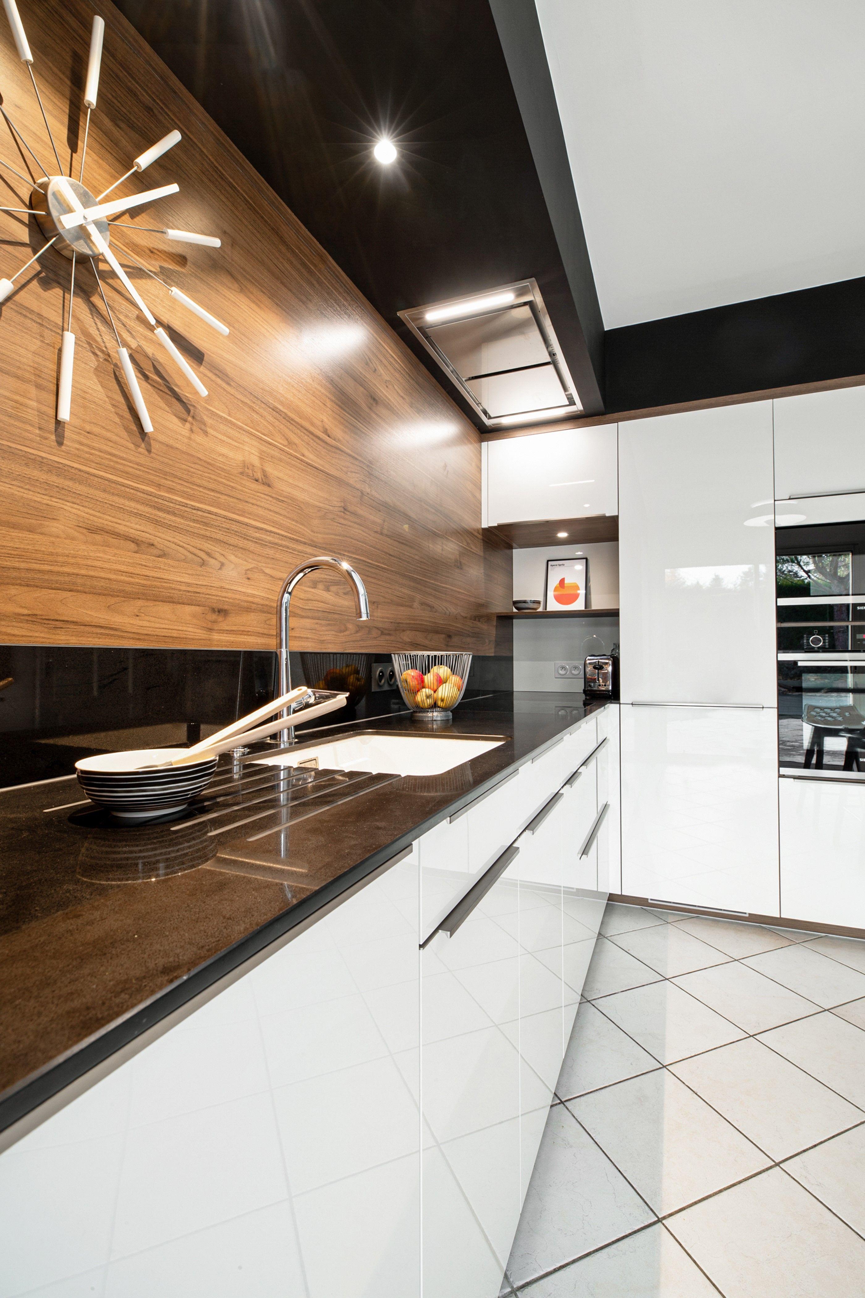 Nos Valeurs Plan De Travail Granit Cuisine Moderne Blanche Plan De Travail Cuisine