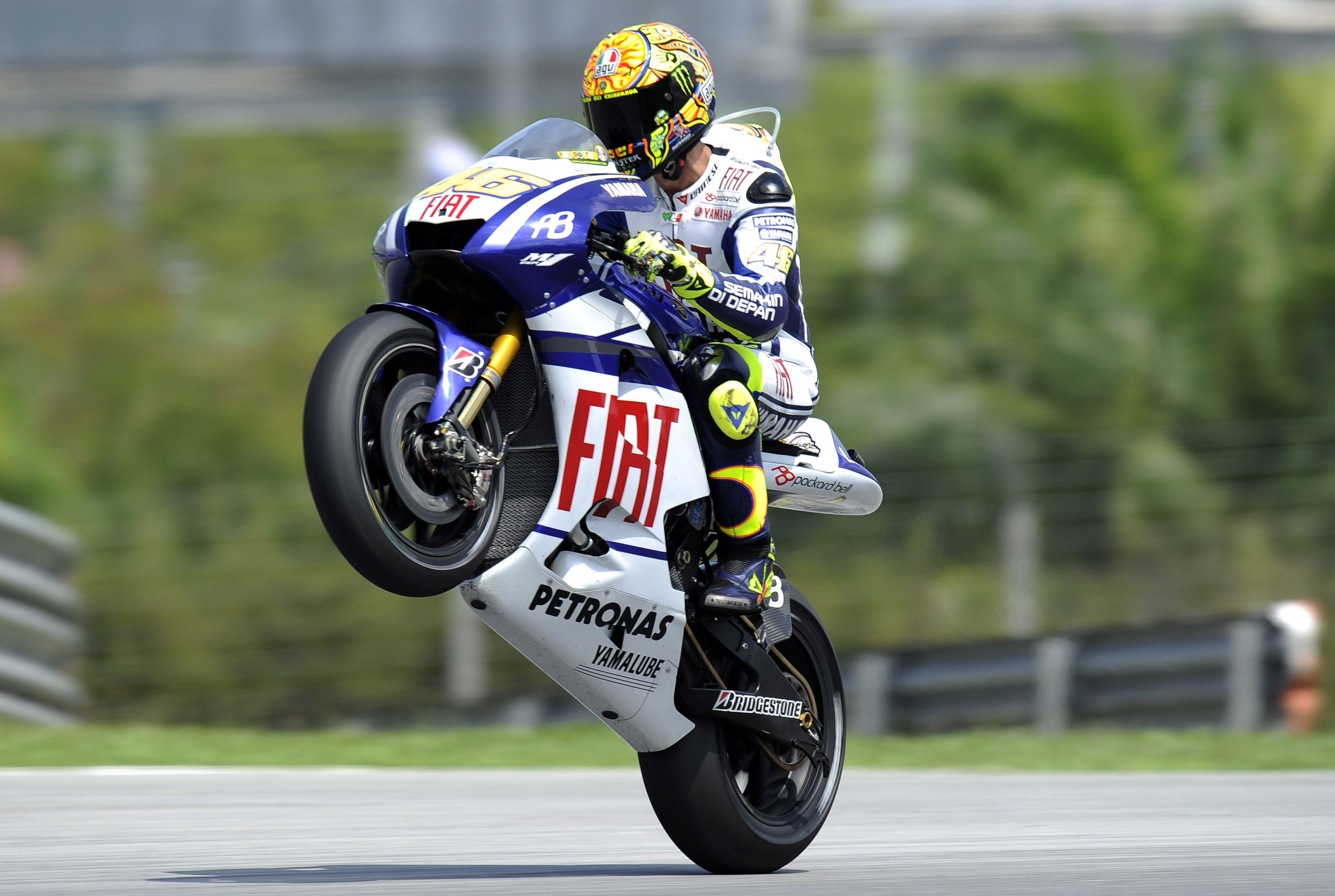 MotoGP Qatar race results—Rossi wins a thriller! Ultra