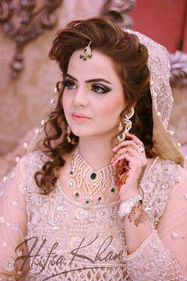 Pin de Maleeha Sohail en Pakistani Bridal Wear | Pinterest | Rabia ...