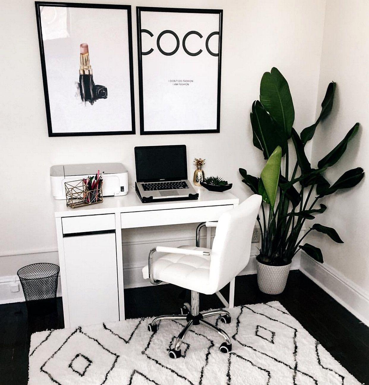 Unique And Comfortable Private Workspaces For Minimalist