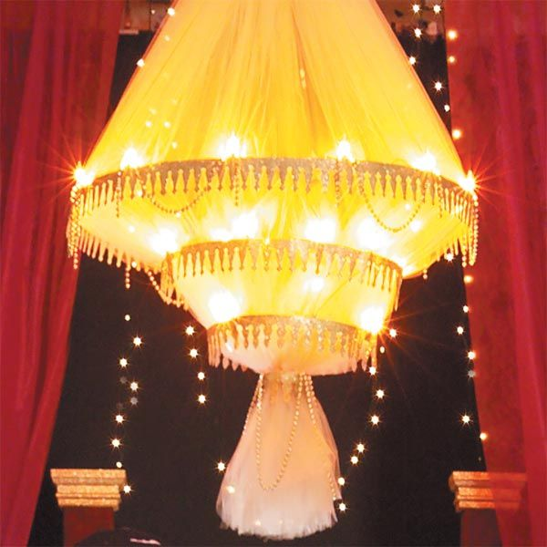 Phantom Of The Opera Centerpieces Why Does Make Chandelier Fall