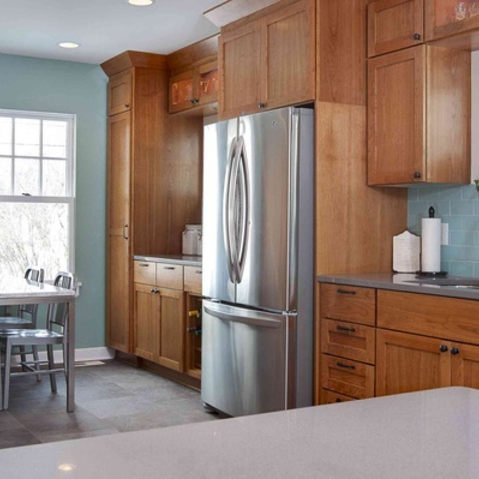 Best 5 Top Wall Colors For Kitchens With Oak Cabinets Blue 400 x 300